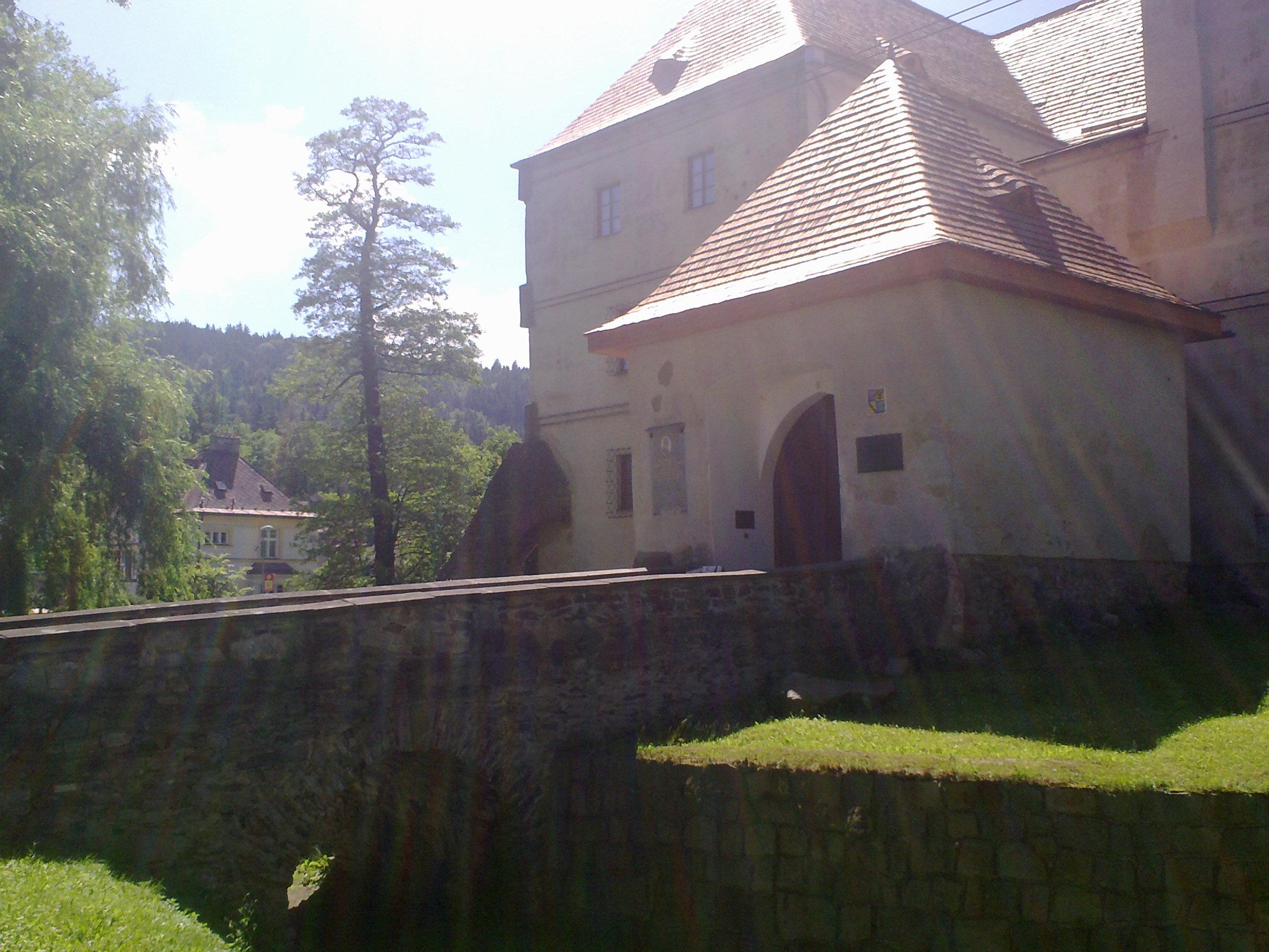 Vlastivědné muzeum a Vodní tvrz