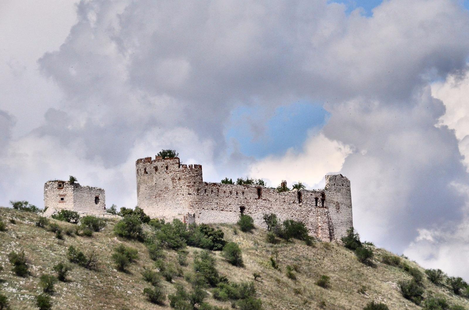 Burg Děvičky (Maidenburg)