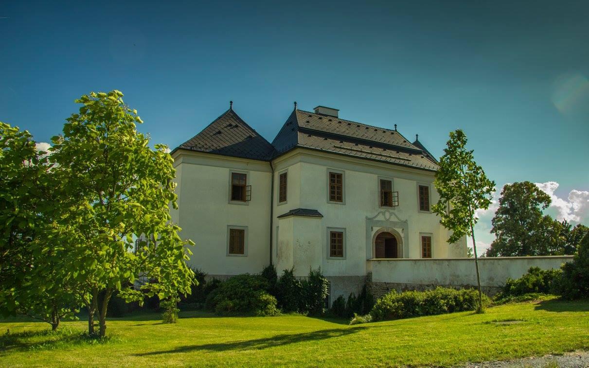 Schloss Pluhův Žďár