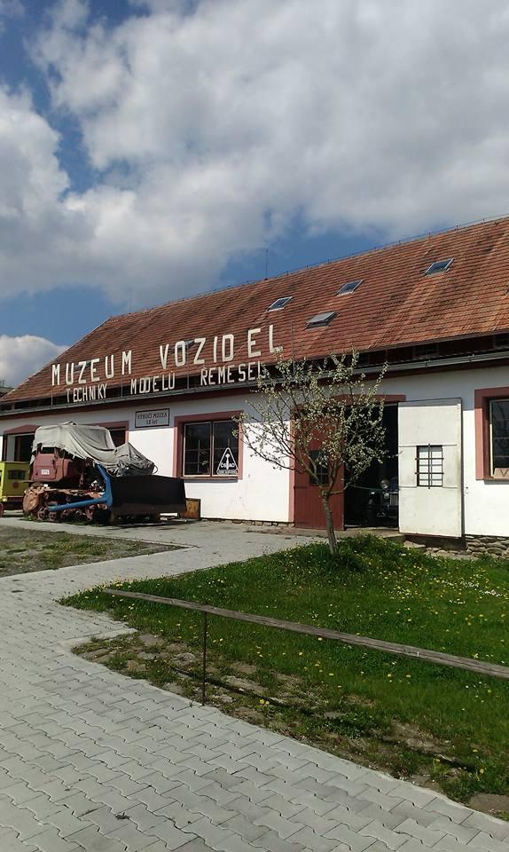 Museum für historische Fahrzeuge, alte Landmaschinen - Pořežany