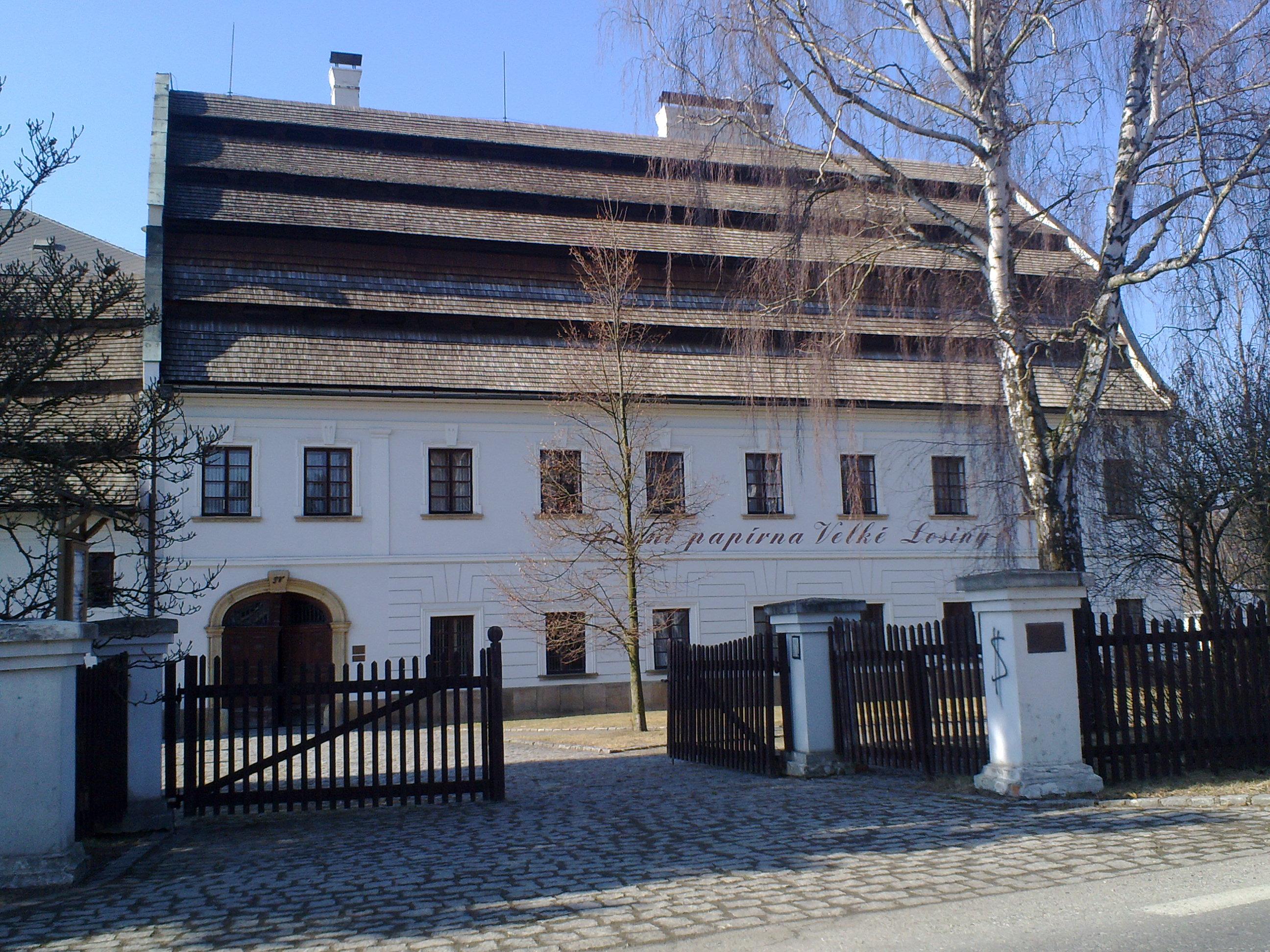 Ruční papírna a muzeum papíru Velké Losiny