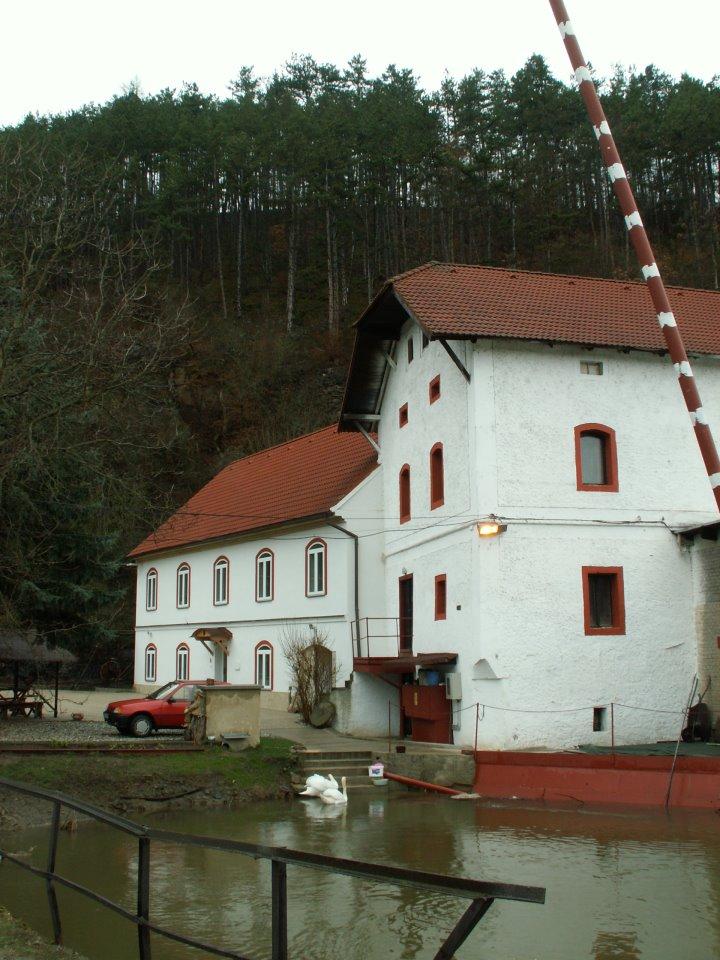 Mühle und kleines Wasserkraftwerk in Šlovice