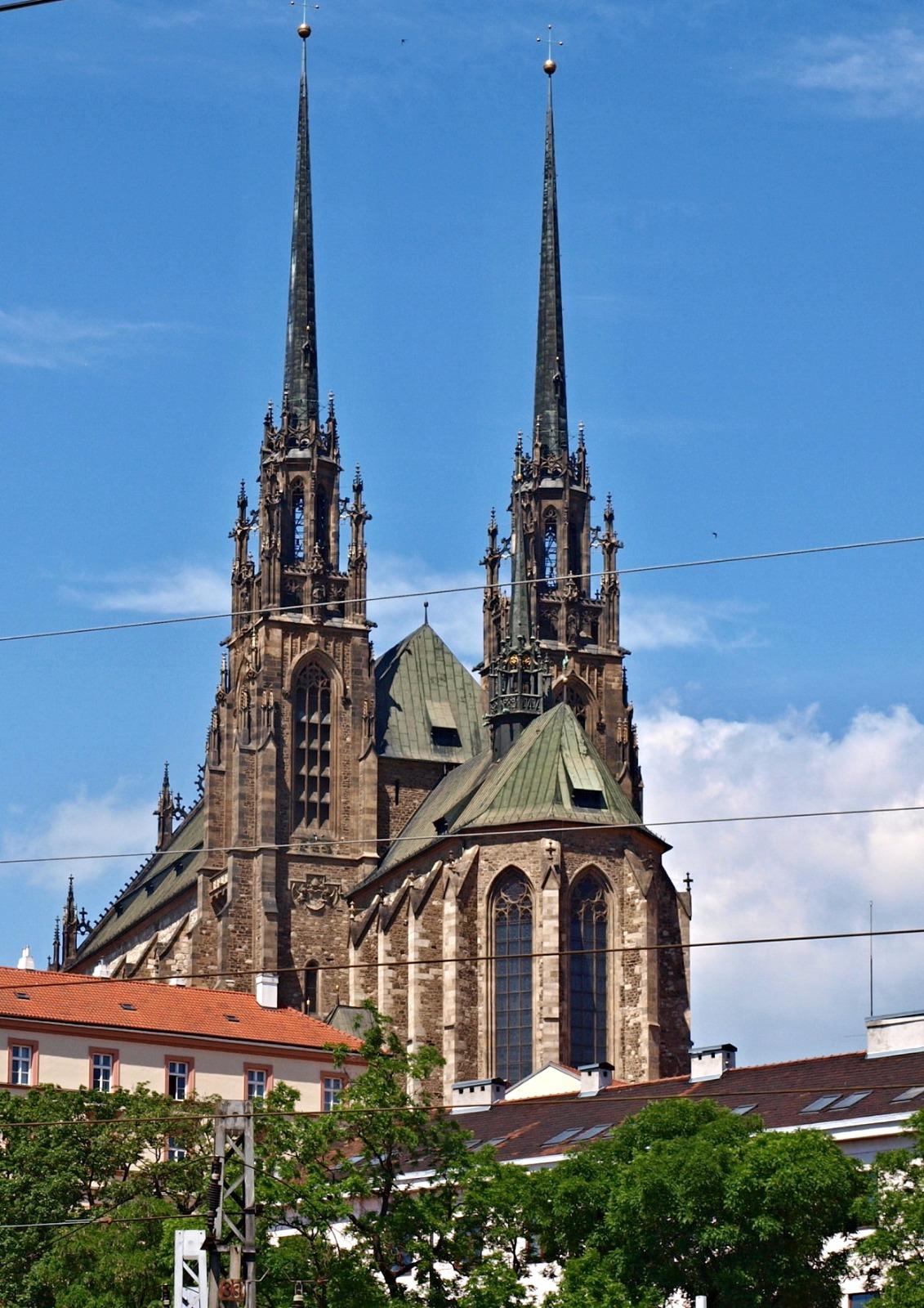 Burg und Kirche Petrov