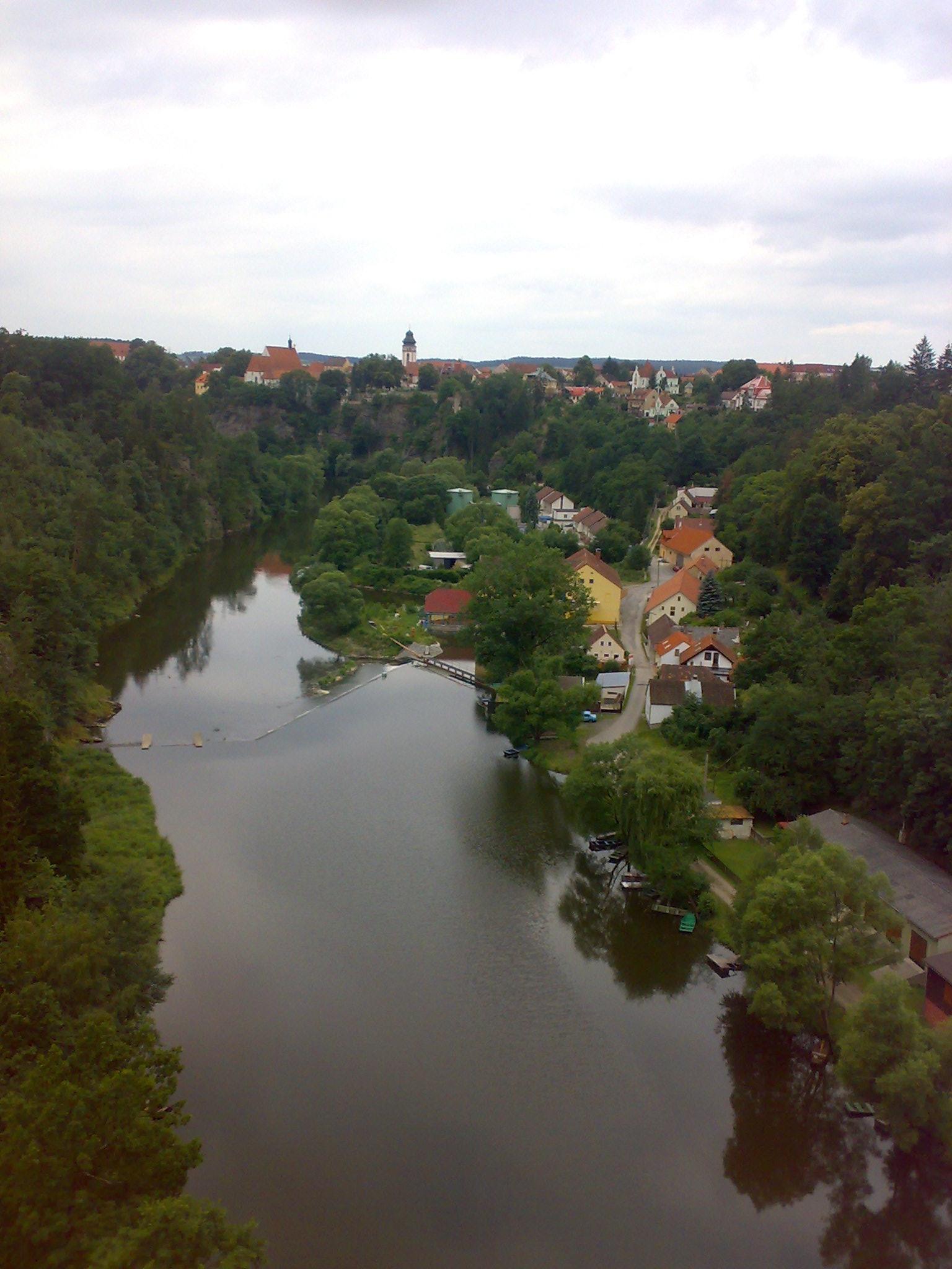 Bechyn Bogenbrücke über Lužnici