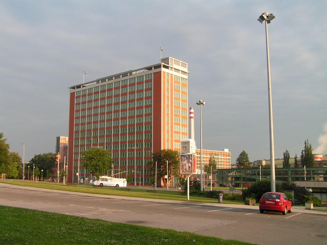 Zliner Wolkenkratzer - Administratives Gebäude Nr. 21 und Büro des Bata Chefs im Aufzug